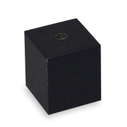 Schwarzer magnetischer Ringsockel als flexible Komponente zur Bodenplatte